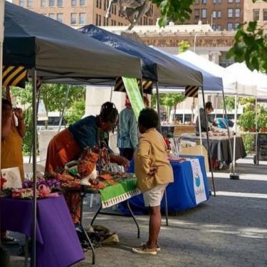 Downtown Wilmington Farmer's Market Photo