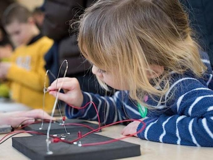 Science Saturdays at the Hagley Museum: Spooky Circuits Photo
