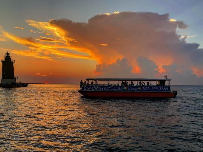 Best of Both Worlds Evening Cruise Photo