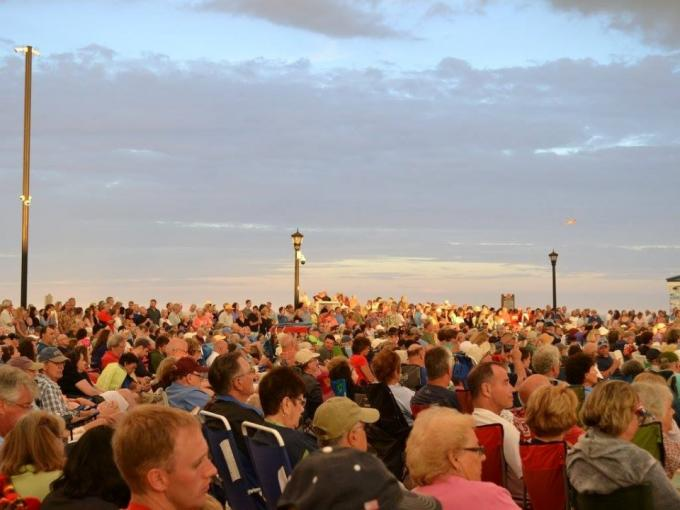 Movies on the Bandstand: Dolittle Photo
